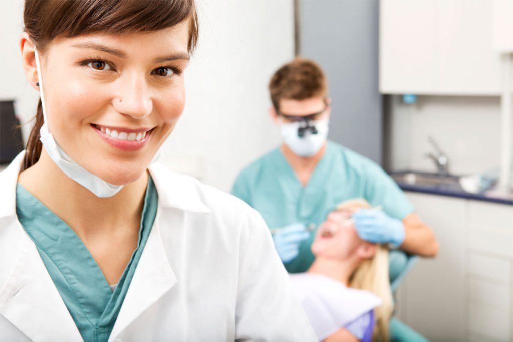 Assunzioni DentalPro: 1600 Posti per Specialisti e Neo-Laureati